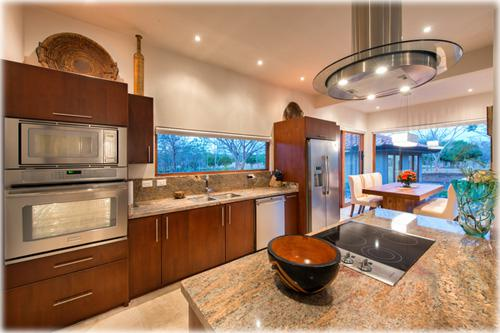 for sale, tamarindo, beach, golf community, luxury homes, north pacific real estate, beachfront, tropical, near to the beach