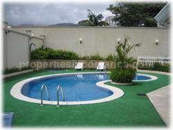 Villas with guest house