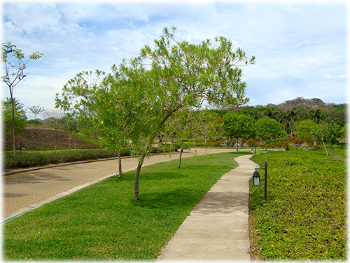 affordable lot, gated community, for sale, guanacaste real estate, land and lots, development, investments, beach, close to the beach
