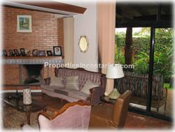 Cariari Costa Rica, Cariari real estate, near schools, golf, shopping, exotic houses, exotic homes, retro style houses, vintage home, 70 style house, late 70s house, fixer upper homes, Costa Rica real estate, 1853