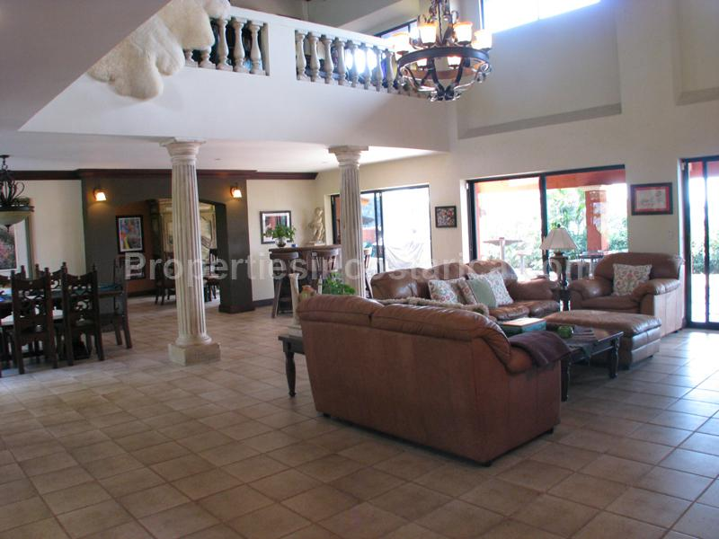 Big 5 Bedroom House With Amazing View Over Santa Ana For Sale