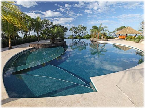 This beautiful property is located in one of the most exclusive beach front gated communities on the Gold Coast.