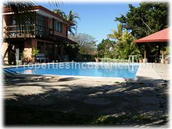 Detached house for rent, Santa Ana condo, green areas, security, supermarkets,