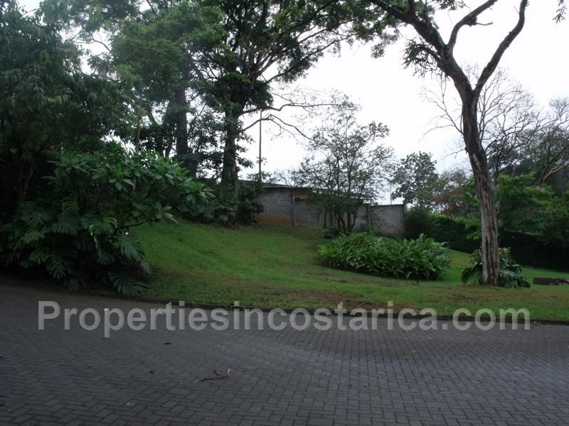 2 Level Town House For Sale In Ciudad Colon Id Code 1709
