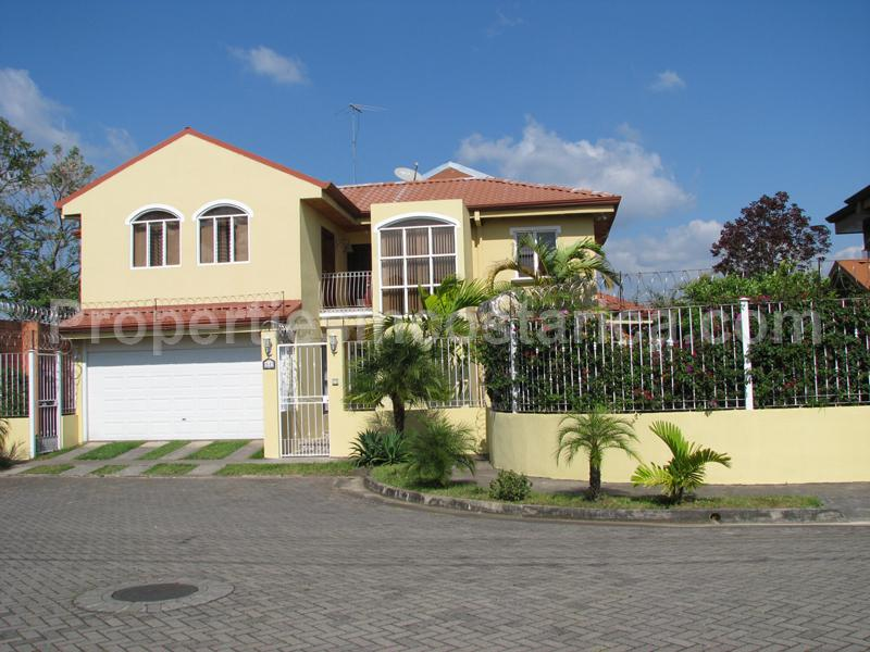 Cozy Residential House For Sale In Heredia Id Code 1712
