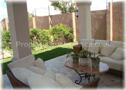 Santa Ana real estate, Santa Ana rentals, for sale, for rent, swimming pool, green areas, jacuzzi, deluxe, gated community, 1504