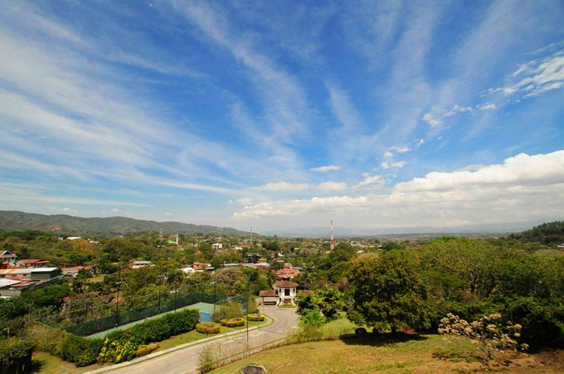 19 also South Pattaya Condo 21054 besides 21258 as well Sujara Villa 2 With Swimming Pool additionally Amazing Villa In Elviria 99358. on fully furnished town house with swimming pool