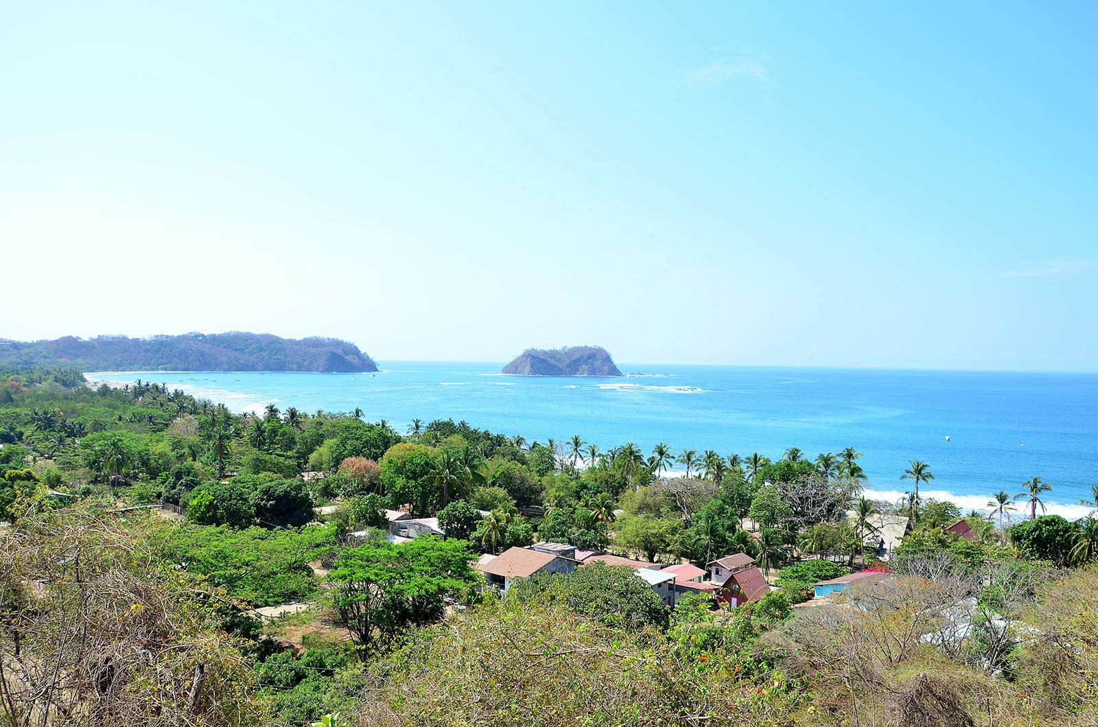 You are looking at what is probably THE BEST ocean view property in the Samara area!
