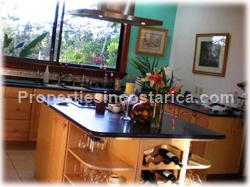 opportunity, city, beach, airport, proximity, nature, extra apartment, guest area, retreat, mountain