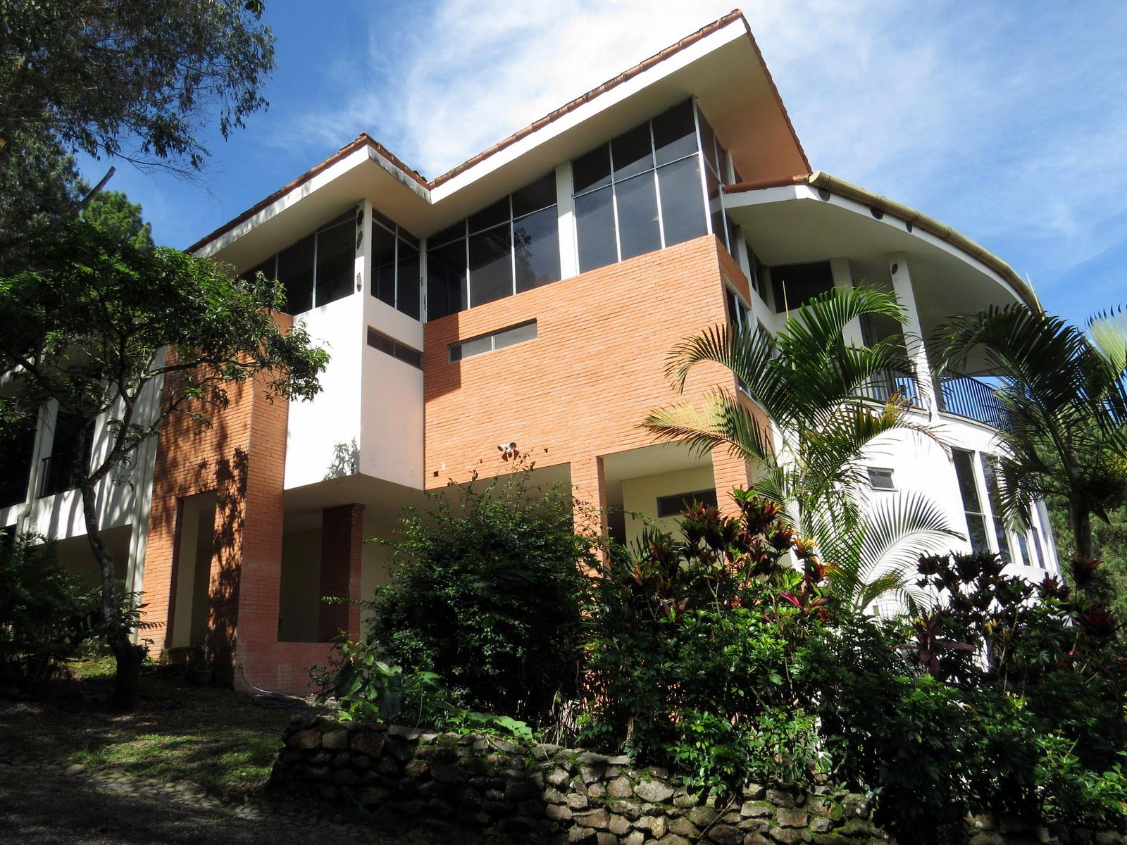 ... Beautiful Modern Luxury 3 Story Mountain House For Sale In Santa Ana  Surrounded By Nature