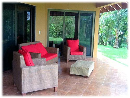 mountain home, near to dominical, natural landscapes, easy access house, landscaped with fruit trees, cool climated home