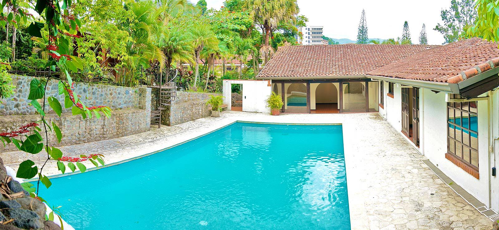 costa rica, one level home, for sale, in Escazu, swimming pool, 3 bedrooms, guest suite, studio apartment