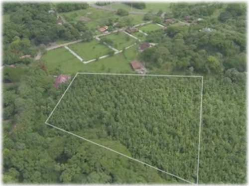 Amazing Development Parcel opportunity... At a 10 minute drive to Playa Tamarindo!      - ID CODE: #3584