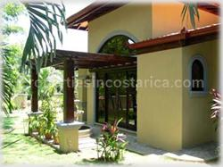 Beach proximity, home in Pavones, Pavones property, Pavones for sale, surfing, waves, gated community, Costa Rica surfing, security, privacy, high ceilings, tropical, 1473