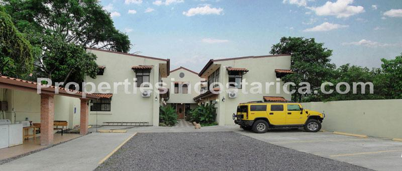 Apartment suites for vacation rentals in escazu id code 1842 for Vacation homes for rent in costa rica
